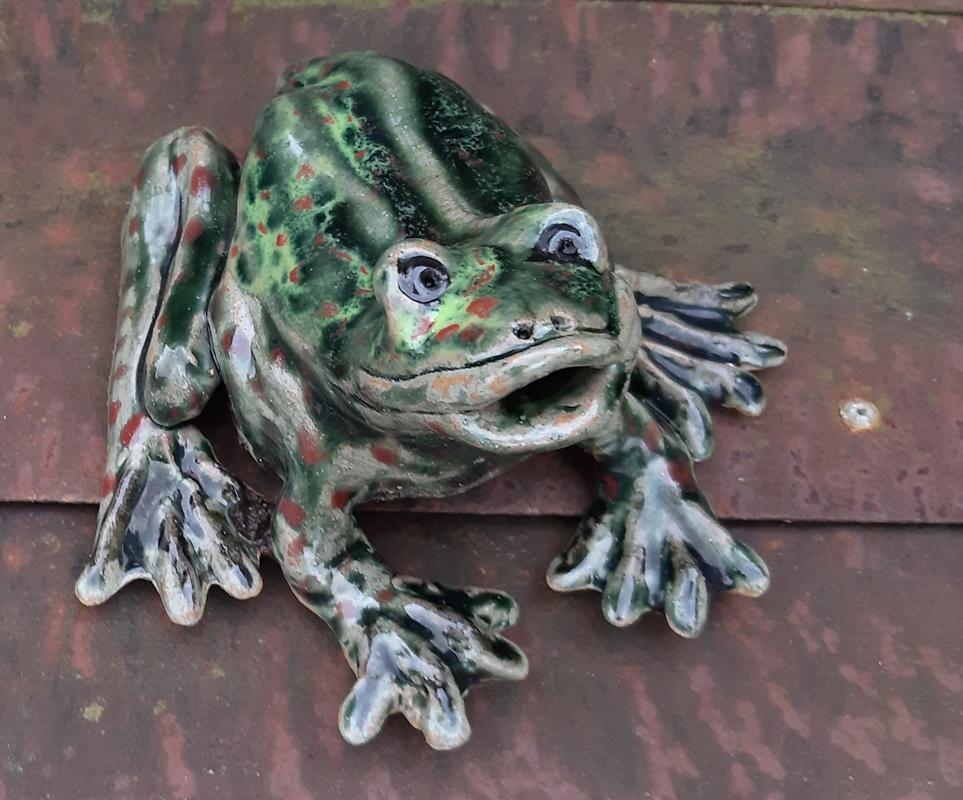 large stoneware garden frog