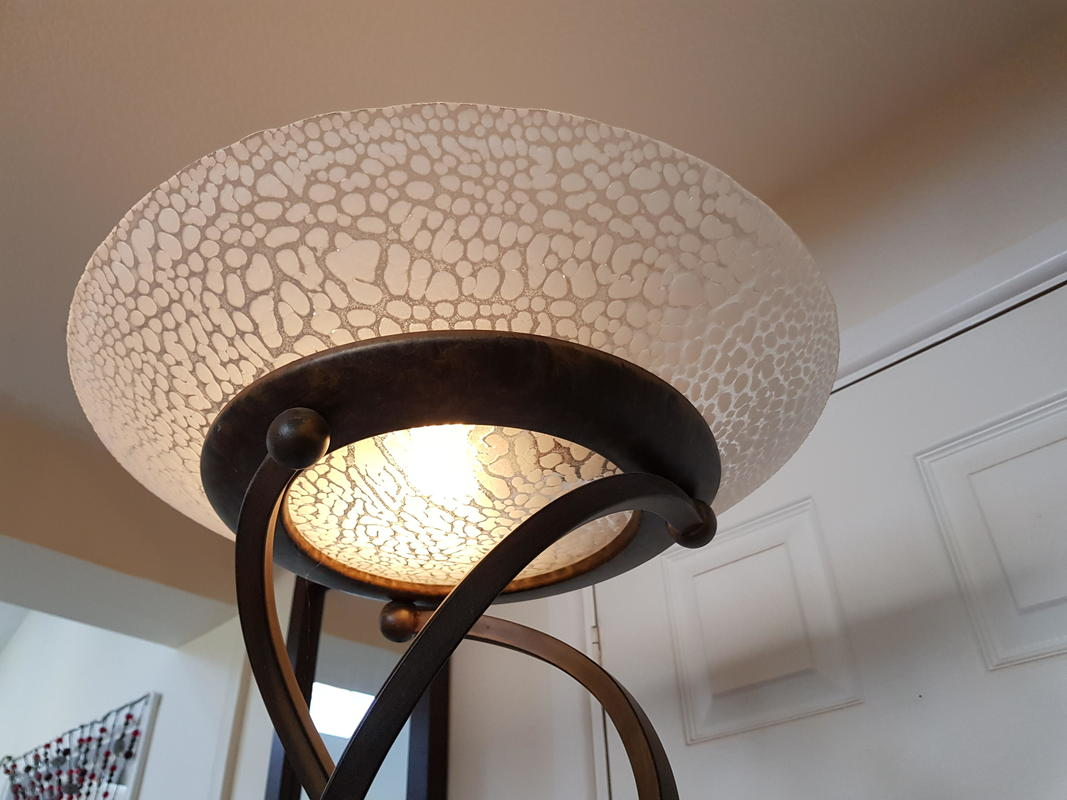 Commission- Crackle lampshade
