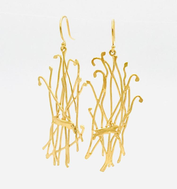 'Robin' drops-gold plated silver leaping hares in grass.
