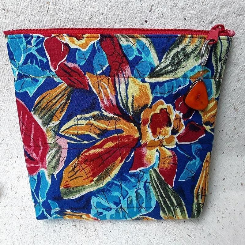 """Red & Orange Flowers Zipped Bag. £15. 9""""w x 7"""" x 1½ """""""