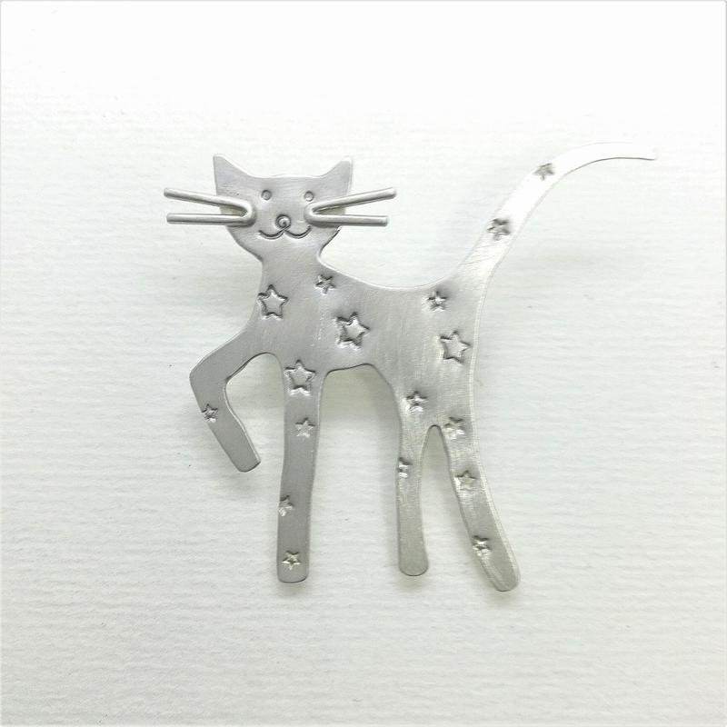 Silver Funky Cat Brooch
