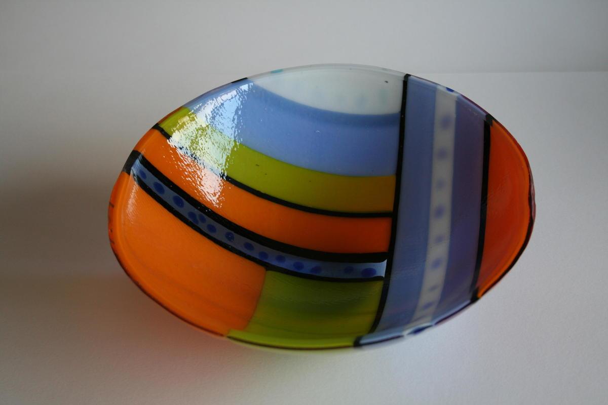 Bright bowl 22cm wide 9cm high £45