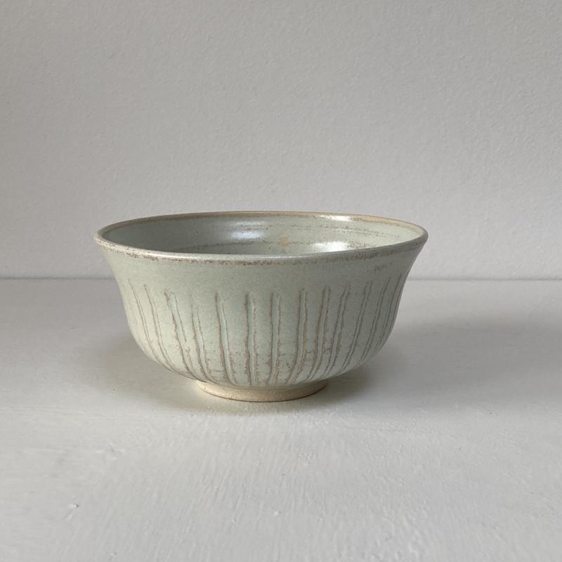 incised bowl 12x6 cm £15
