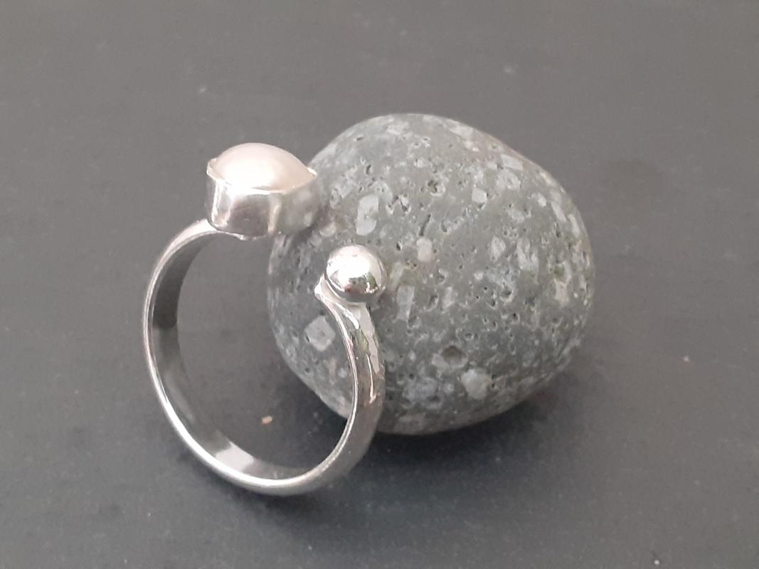 freshwater pearl adjustable ring