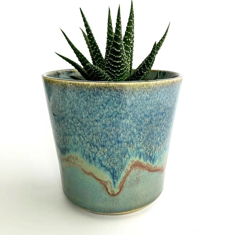 Ceramic planter with layered glazing
